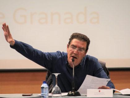 Dos llenos consecutivos en la conferencia del juez Calatayud en Murcia